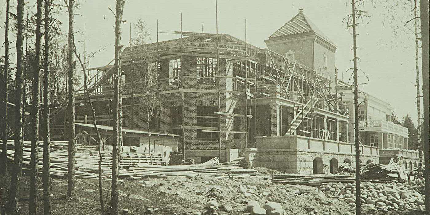 Aurinkolinnan rakennusvaiheita 1920-luvulla